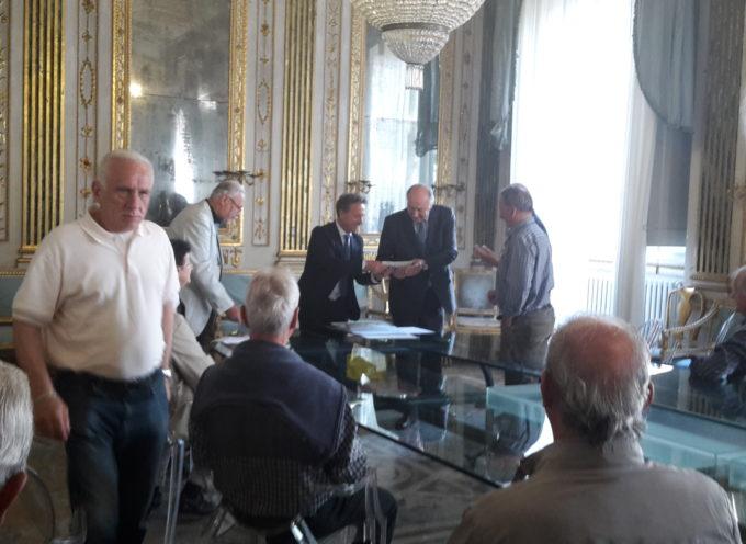 LUCCA  – Manutenzione dei cimiteri: consegnati gli assegni alle associazioni