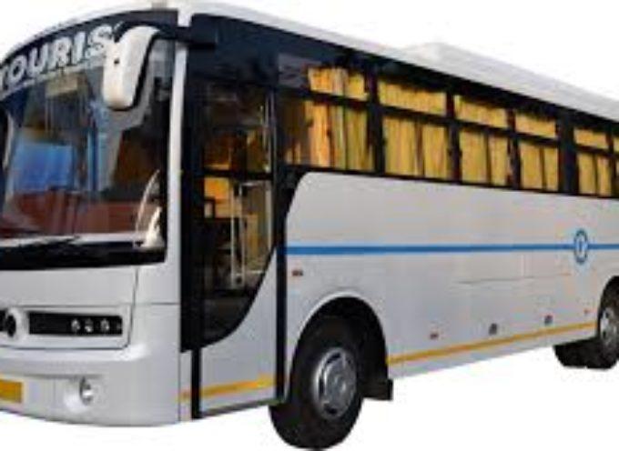 lucca – Altera il cronotachigrafo: patente ritirata e maxi multa da 1600 euro al conducente di un bus turistico