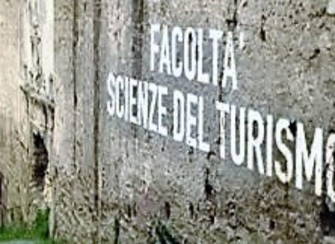 Turismo: dalle macerie tambelliniane proviamo a ricostruire