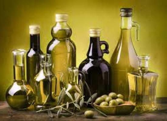 Olio di oliva, via la data di imbottigliamento dall'etichetta
