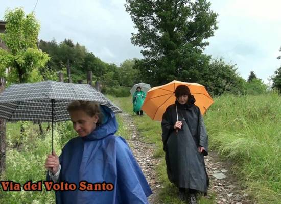 VIA DEL VOLTO SANTO: Da San Michele a Castelnuovo di Garfagnana – di Sergio Colombini[video]