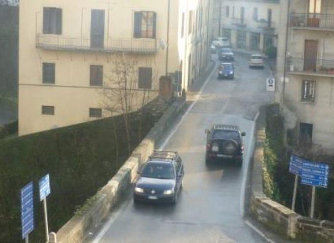 Castelnuovo, chiusura Ponte Nuovo: nessun problema nemmeno in concomitanza con il mercato del giovedì