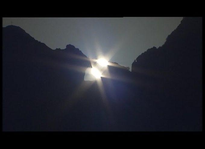 Lo spettacolo della doppia alba sul Monte Forato[VIDEO]