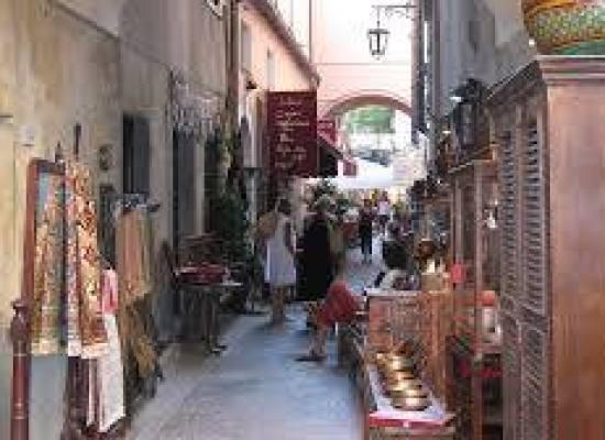 """vieni, vendi e scambia le tue cose!"""" a Bagni di Lucca"""
