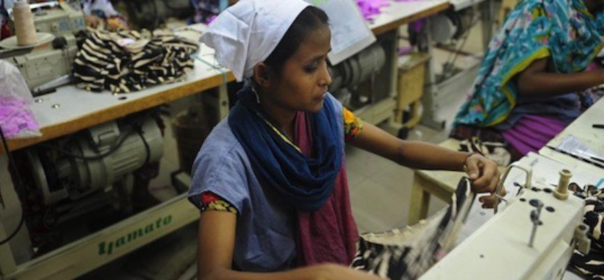 Bangladesh,  il paese con la manodopera peggio pagata al mondo che produce indumenti per marchi importantissimi