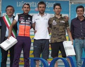 Luigi Salimbeni al centro del podio a Sestriere