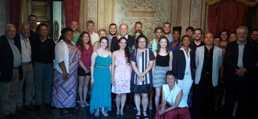 Il sindaco Tambellini riceve la delegazione dell'Accademia Vocale Lorenzo Malfatti