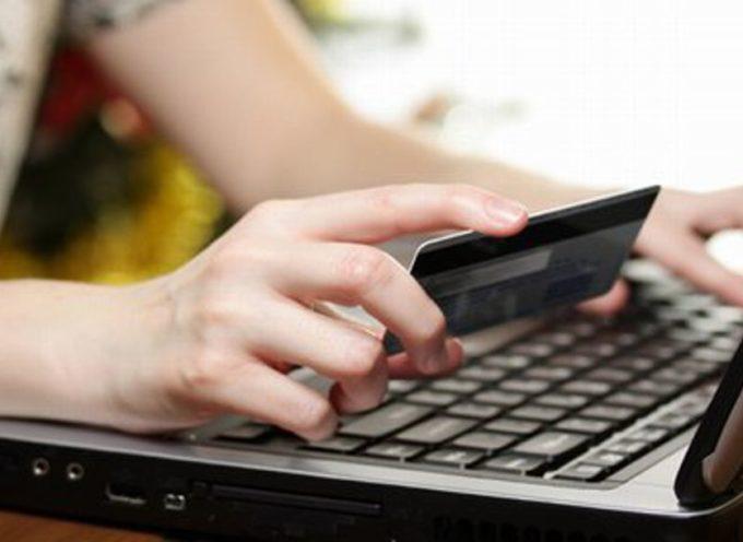 """Vacanze online: """"Attenti alle truffe"""". Lo """"Sportello dei diritti"""" raccomanda chi ha l'abitudine di prenotare le vacanze sul web"""