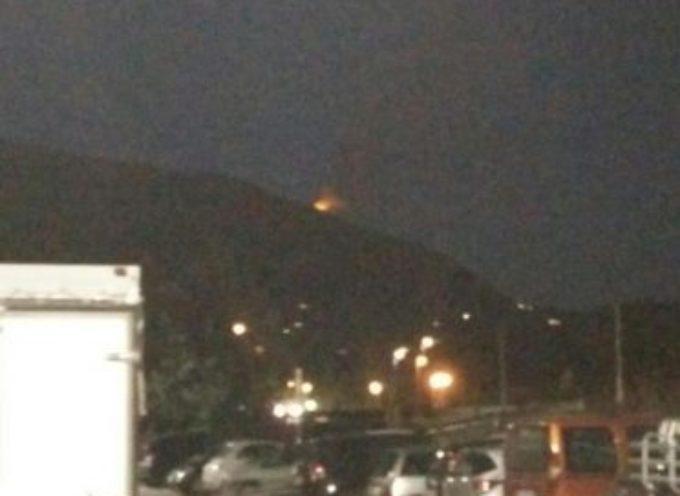 camaiore – Incendi: a fuoco boschi sul monte Prana