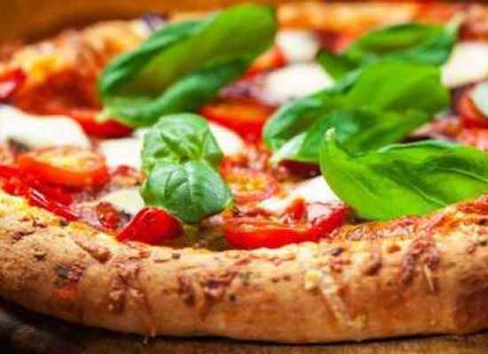 QUANTE CALORIE CI SONO IN UNA PIZZA?