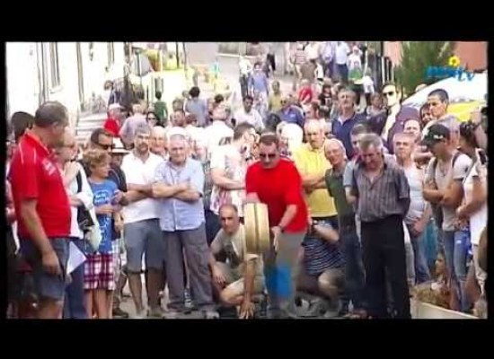 Migliaia di persone ad Apuane in festa, CAREGGINE