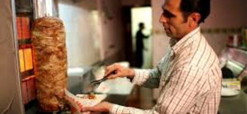 lucca   – brutto episodio in centro  tentato furto al kebab di c.so garibaldi