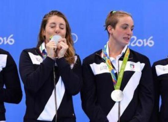 """RIO 2016 – """"EA7″ perché c'è il 7 sulla divisa delle Olimpiadi? Claudia Mori: """"Sul podio vinceva lo sponsor"""""""