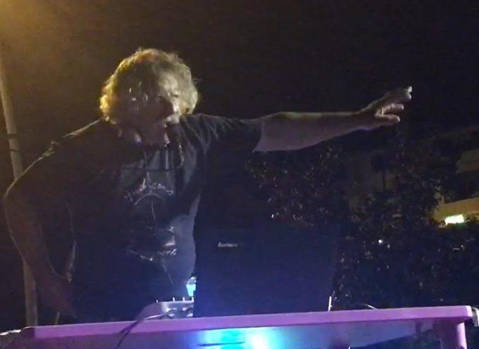 Piazza Al Serchio, Donald Savage torna a suonare trent'anni dopo l'ultima esibizione