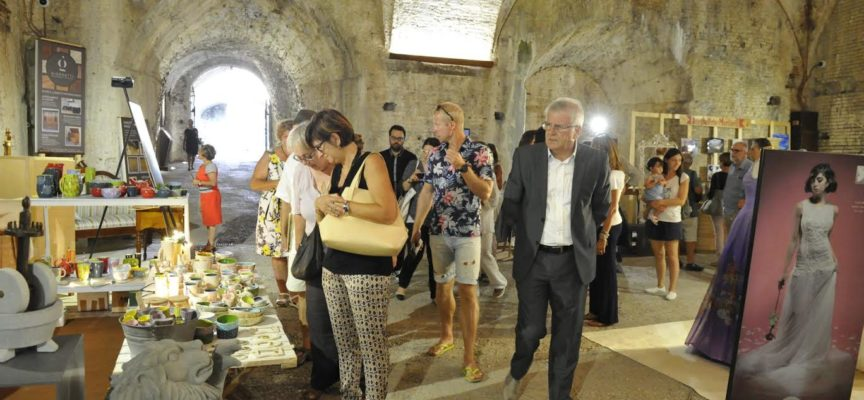 """""""Lucca Artigiana"""" la fiera dell'artigianato lucchese aperta sabato anche fino a tarda sera e domenica con orario continuato 10/21"""