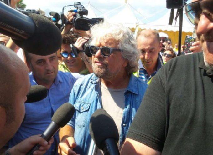 Beppe Grillo annuncia una svolta nel Movimento 5 stelle. Ma riafferma il suo ruolo: