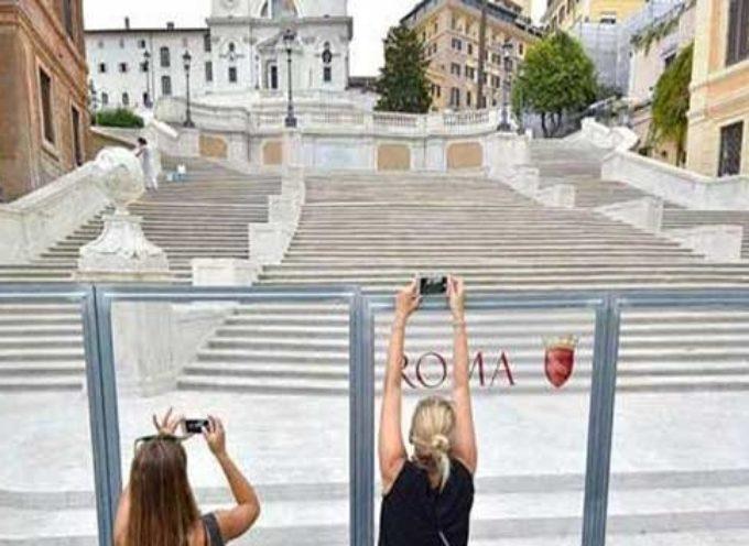 Piazza di Spagna RESTITUITA ALLA CITTA DI ROMA
