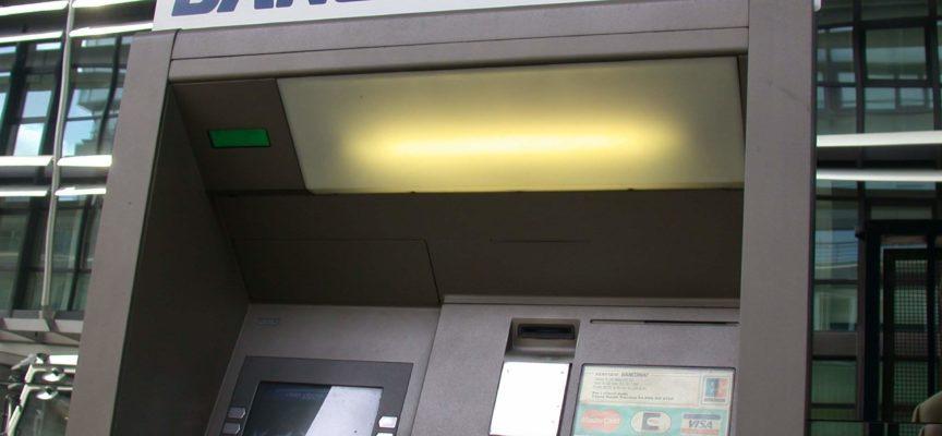 """Cassazione e barriere architettoniche : """"I bancomat devono essere accessibili al disabile"""" altrimenti lo discrimina."""