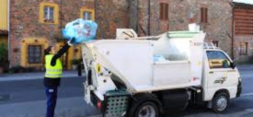 Lucca, male il primo giorno della nuova raccolta rifiuti