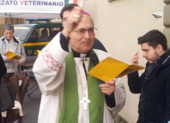 Reverendo Monsignore Castellani, Arcivescovo di Lucca,