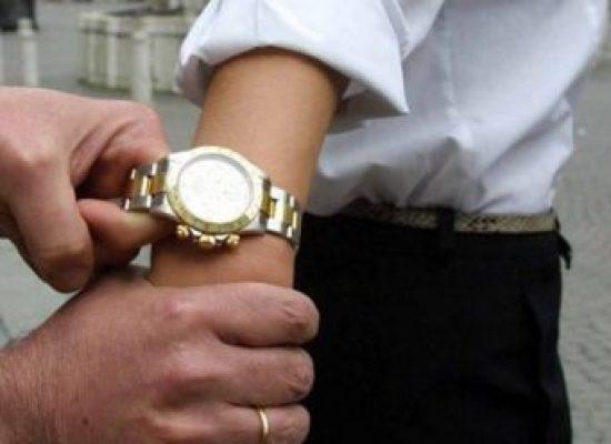 Scippato a turista russo Rolex da 50mila euro