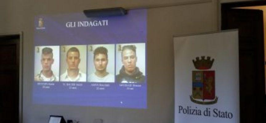 Spacciavano cocaina in un boschetto a Pieve Santo Stefano; quattro arresti