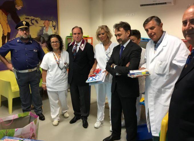 Una donazione dell'Associazione Nazionale Polizia di Stato per la Pediatria di Lucca