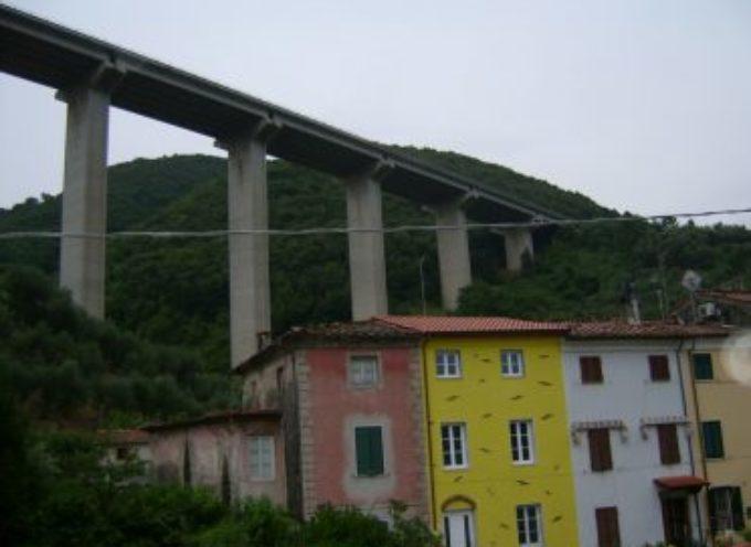 Giovane si uccide gettandosi dal viadotto della Bretella