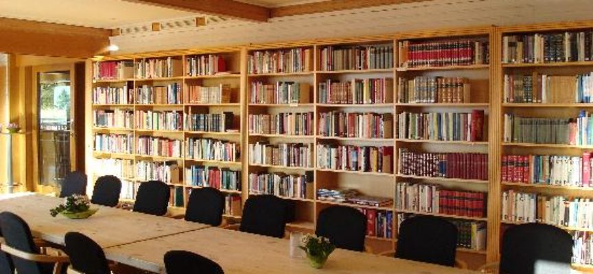 ALTOPASCIO – LIBRI E CORSI DI INGLESE RIPRENDONO LE ATTIVITÀ DELLA BIBLIOTECA