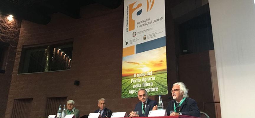 """Formalizzata questa mattina la """" CARTA DI BARGA"""" scritta  dai Periti Agrari al 18° Congresso al Ciocco .LU-"""