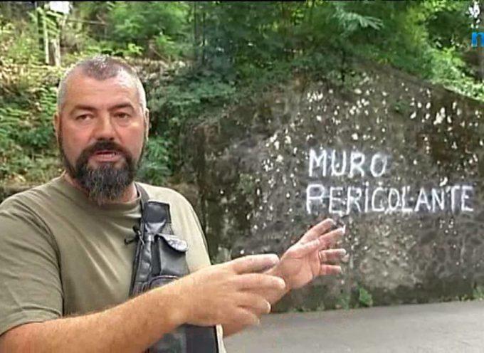 Muro pericolante sulla strada per San Pietro in Campo