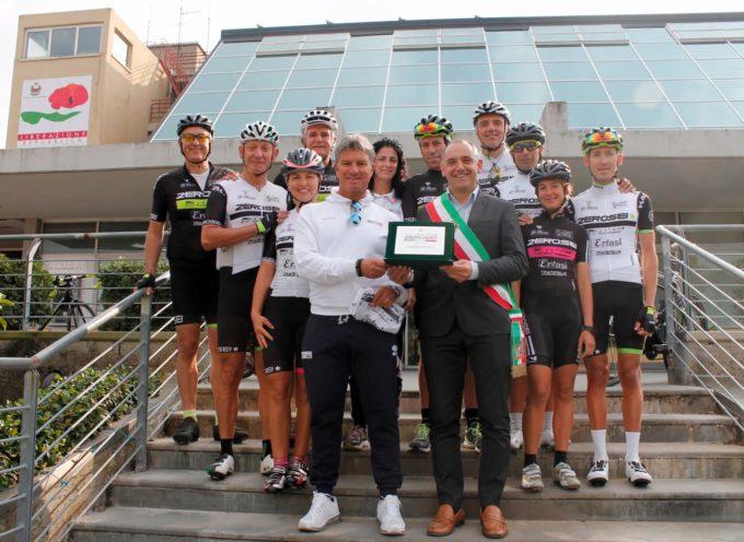 CYCLING TEAM ZEROSEI, TARGA PER I 10 ANNI DALLA FONDAZIONE CYCLING