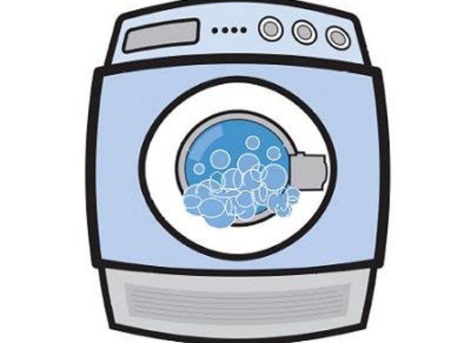 La lavatrice è l'elettrodomestico amico per eccellenza eppure non tutti sanno come utilizzarlo senza che gravi sulla bolletta.