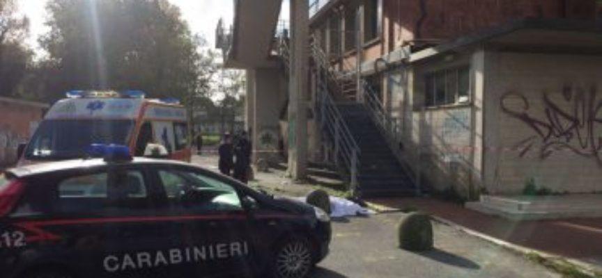 Omicidio al Palasport di Viareggio fermato un sospetto alla Stazione