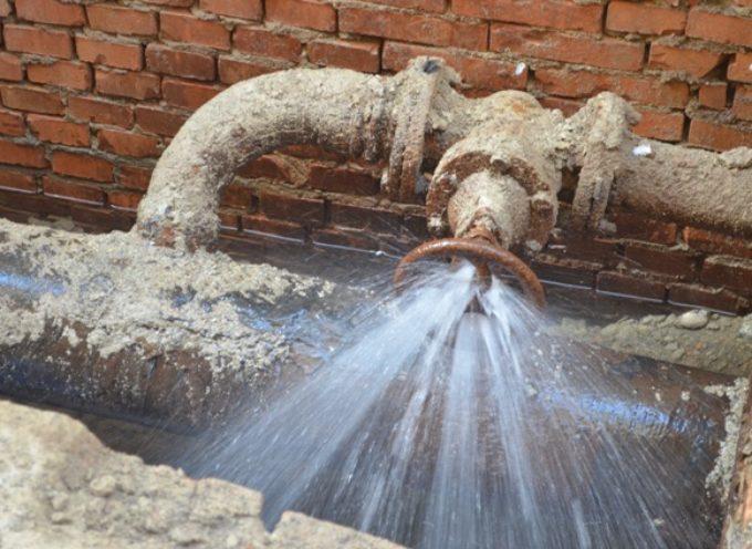 porcari – lavori straordinari  per una riparazione  al  condotto idrico