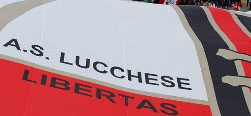 con 5 euro – Lucchese-  Viterbese dalla tribuna laterale