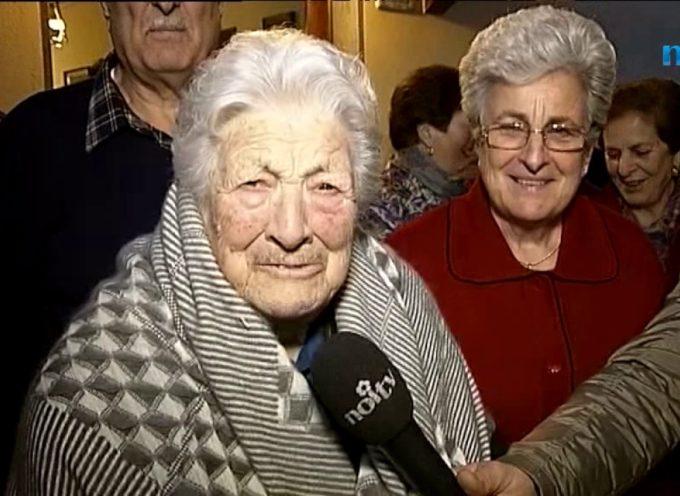 Castiglione Garfagnana celebra i 100 anni di nonna Anna[video]