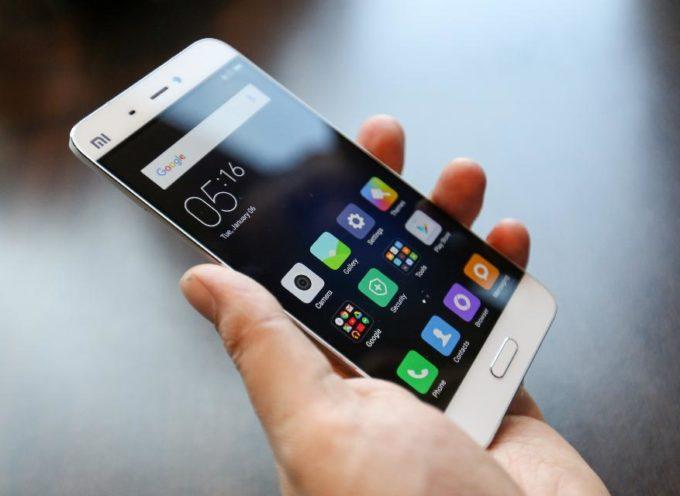 Siete Soliti Tenere Lo Smartphone Vicino Quando Dormite? Ecco Che Cosa Dovete Sapere