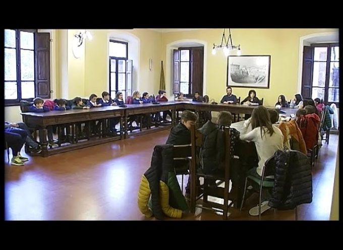 Bambini protagonisti in Municipio a Gallicano