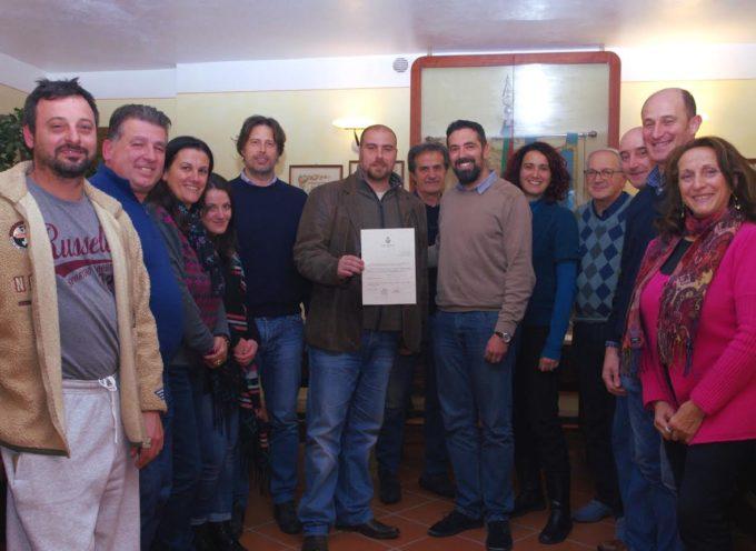 Pescaglia – Il baritono Gabriele Viviani premiato in consiglio comunale per l'impegno a favore delle popolazioni terremotate