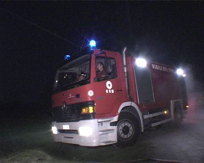 Viareggio – Brucia il Bagno Teresa in Darsena - Verde Azzurro Notizie