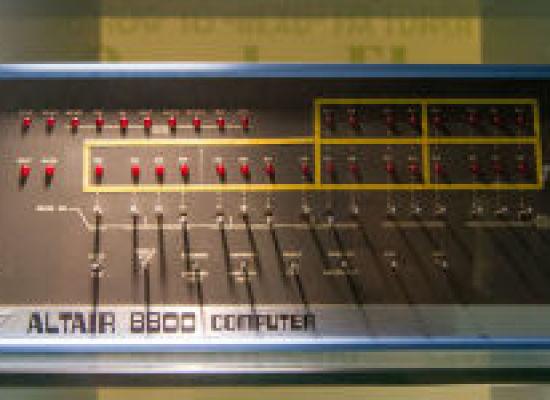 accadde oggi – 19 Dicembre 1974, esce il primo PC: l' Altair 8800