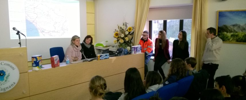Le aziende cartarie e cartotecniche incontrano le Scuole Medie all'Unione dei Comuni a Castelnuovo