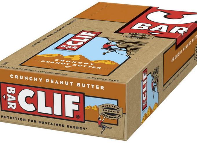 Nelle barrette energetiche CLIF Bar c'è la plastica e l'azienda le ritira.
