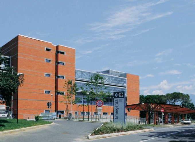 Versilia –  devasta reparto in ospedale e minaccia il personale arrestato