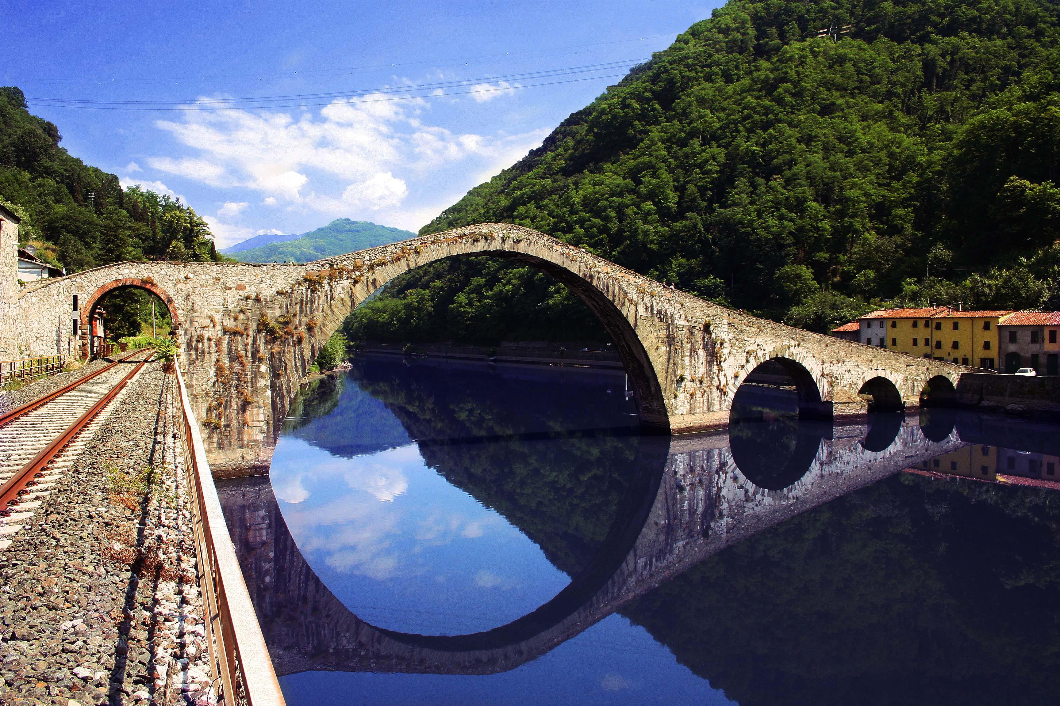 Borgo a mozzano nuova redazione per il ponte del for Piani di fondazione del ponte