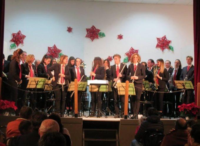 BORGO A MOZZANO – Grande successo per il concerto natalizio della Merciful Band a Cune