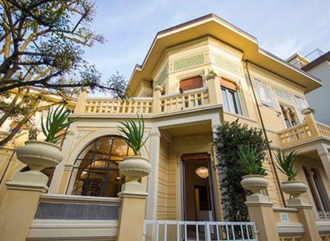 """A Villa Argentina si presenta """"Sotto l'ombrellone"""" di Pier Luigi Ghilarducci"""