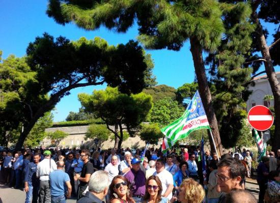 CISL: 70MILA TESSERE FANTASMA SU 303MILA! QUESTI SONO I SINDACATI ITALIANI