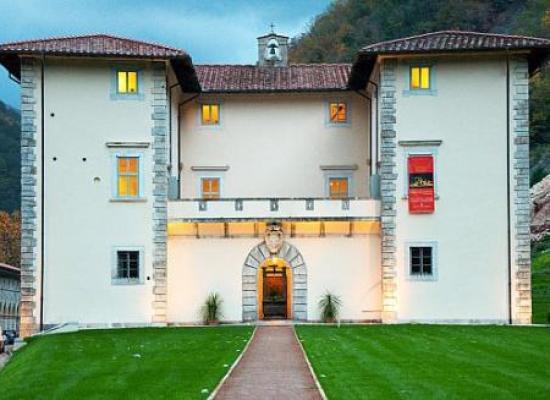 """Carnevale in biblioteca: a Palazzo Mediceo tornano i """"Libri in maschera"""""""